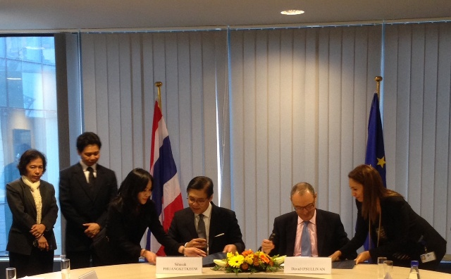 Meeting between permanent secretary of thailand and chief for Consul external service